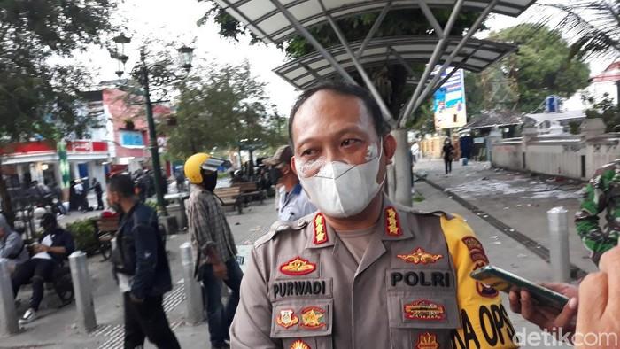 Kapolresta Yogyakarta Kombes Purwadi Wahyu Anggoro ditemui usai aksi demo tolak Omnibus Law Cipta Kerja di Malioboro, Kamis (8/10/2020).