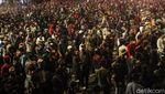 Pecah! Foto-foto Rusuh Imbas Demo Tolak UU Omnibus Law