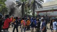 Temui Massa Aksi di Kendari, Ketua DPRD Sultra dari PAN Tolak Omnibus Law!