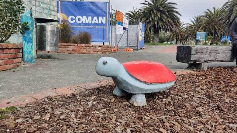 Patung Kura-kura bisa pindah kota sejauh 117  kilometer