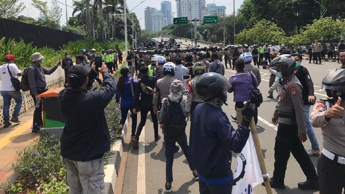 Puluhan remaja diamankan di sekitar DPR