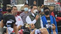 Ridwan Kamil Temui Massa Aksi Tolak Omnibus Law di Bandung