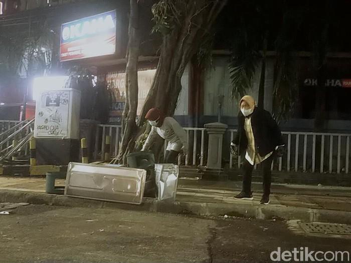 wali kota risma melihat dampak demo tolak omnibus law