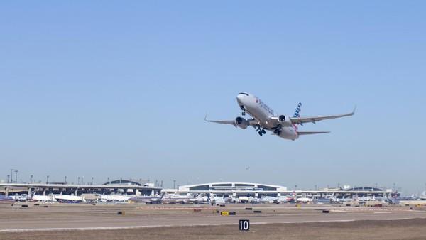 Selanjutnya di posisi empat, ada Bandara Internasional Dallas/Forth Worth. Sebelumnya, bandara ini menempati urutan 10 di tahun 2019. (Getty Images/Aneese)