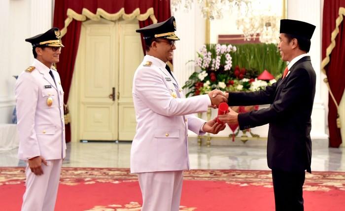 Kepemimpinan Gubernur Anies Baswedan hampir berumur 3 tahun. Anies mengklaim telah berhasil menorehkan sejumlah prestasi. Namun  juga tak lepas dari kontroversi