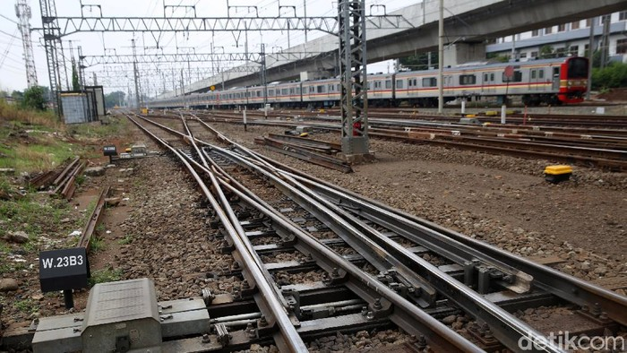 Pengerjaan proyek jalur dwi ganda atau double double track (DDT) terus dilakukan. Seperti apa perkembangannya?