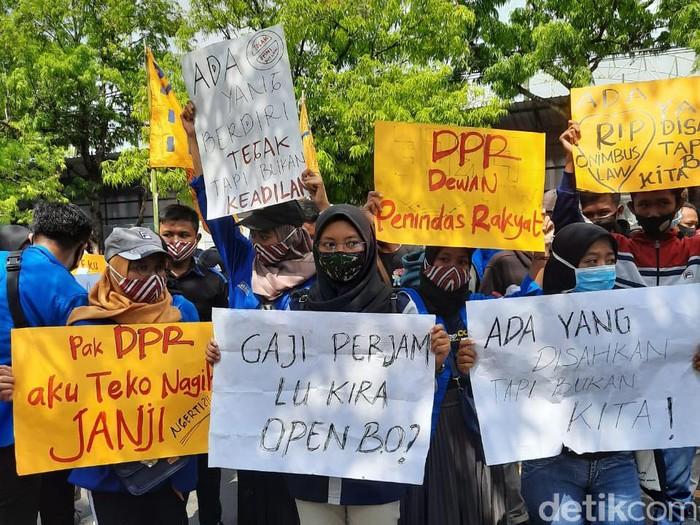 demo omnibus law di ngawi