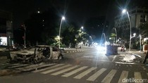 2 Mobil Hangus Terbakar di Tengah Jalan di Cikini