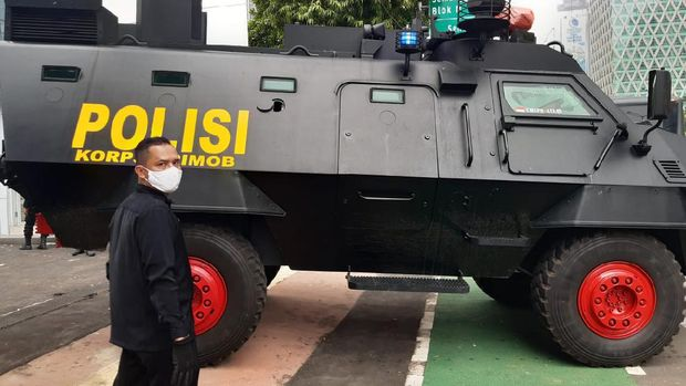 Kendaraan Taktis Brimob, Barakuda di depan Gedung Kementerian ESDM