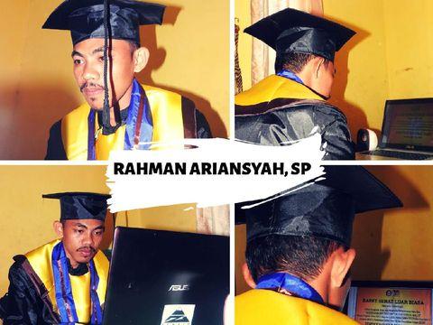 Rahman Ariansyah. S. P saat wisuda online