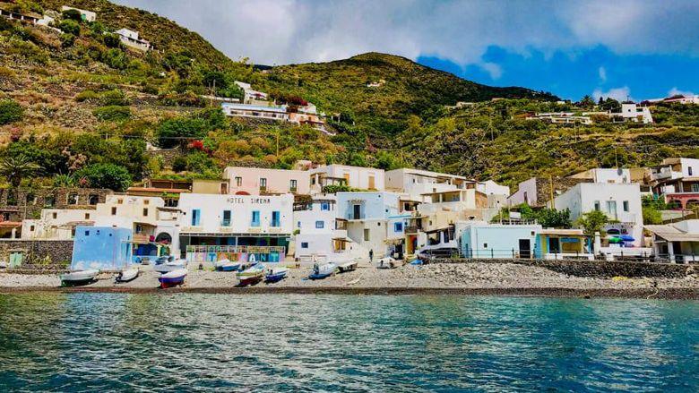 Pulau di Italia.