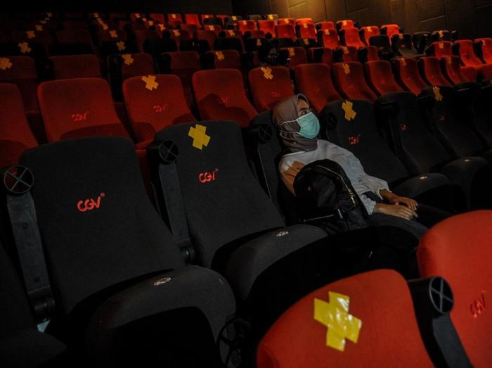 Sembilan bioskop di Kota Bandung kembali beroperasi. Pengoperasian sejumlah bioskop itu dilakukan meski Kota Bandung tengah berstatus zona merah COVID-19.