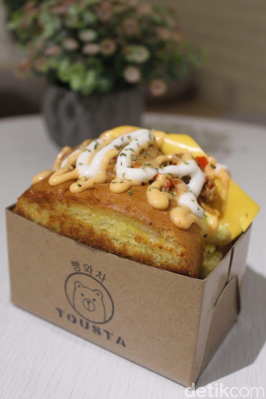 Tousta : Roti Bakar Korea Berlimpah Isian