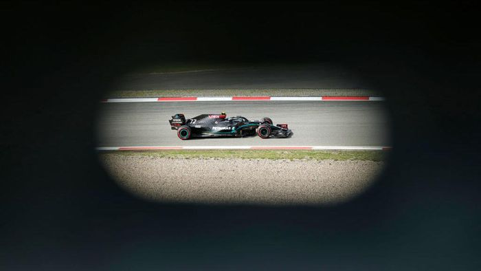 NUERBURG, GERMANY - OCTOBER 10: Valtteri Bottas of Finland driving the (77) Mercedes AMG Petronas F1 Team Mercedes W11 on track during final practice ahead of the F1 Eifel Grand Prix at Nuerburgring on October 10, 2020 in Nuerburg, Germany. (Photo by Ronald Wittek - Pool/Getty Images)