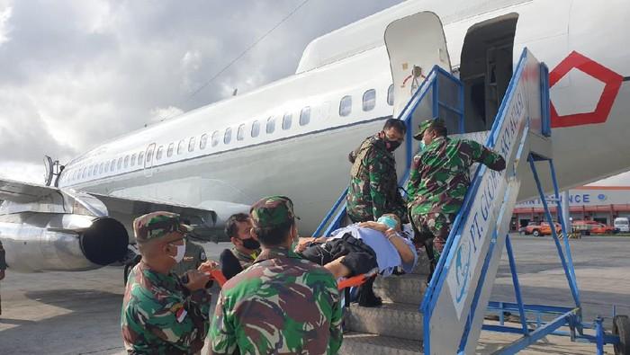 Evakuasi anggota TGPF dan Prajurit TNI yang ditembaki KKB Papua