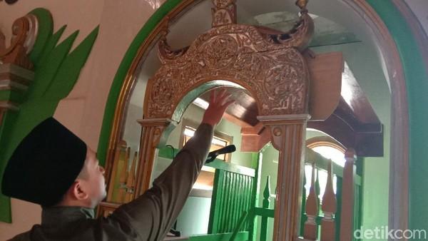 Selain itu, bahwa Masjid Wali digunakan sebagai tempat pertemuan para wali dan juga untuk menyebarkan agama Islam. Masjid Wali itu juga menjadi strategi dakwah.