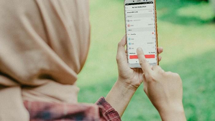 Mempermudah masyarakat dalam melakukan transaksi nontunai, khususnya seperti di tengah pandemi Corona, Telkomsel melalaui MyTelkomsel berkolaborasi dengan ShopeePay.
