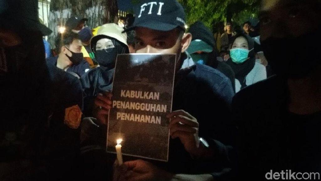 Aksi Massa di Semarang Tuntut 4 Mahasiswa Dibebaskan