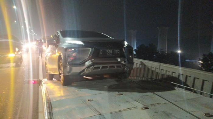 Kecelakaan Beruntun di Tol Elevated Arah Jakarta