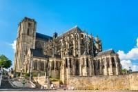 Katedral Saint Julien Le Mans di Pays de la Loire, Le Mans. Foto: Getty Images/iStockphoto/Leonid Andronov