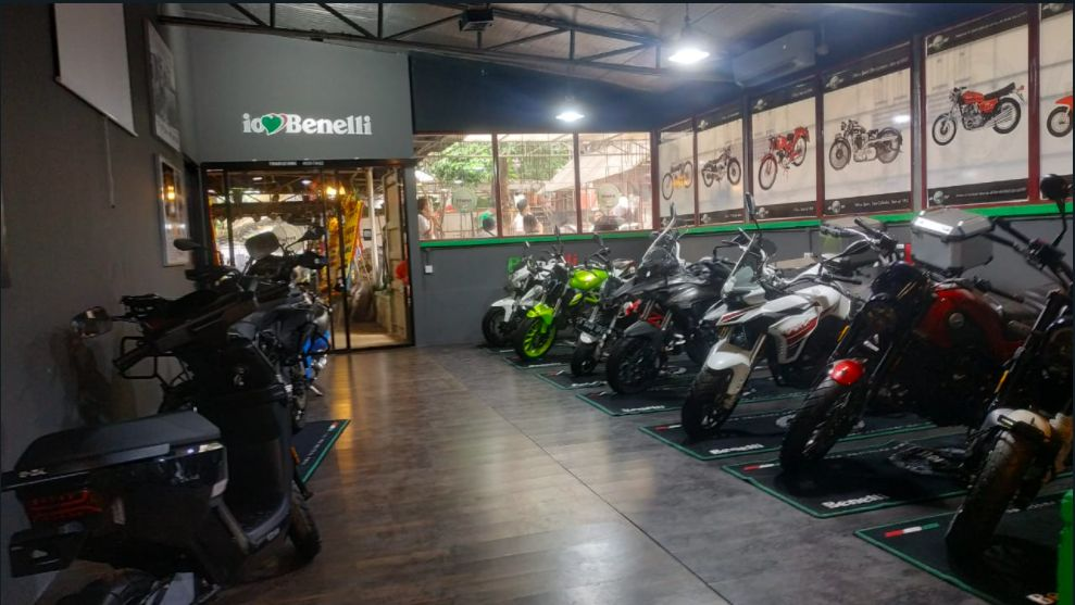 Diler Benelli di Bintaro Jakarta Selatan