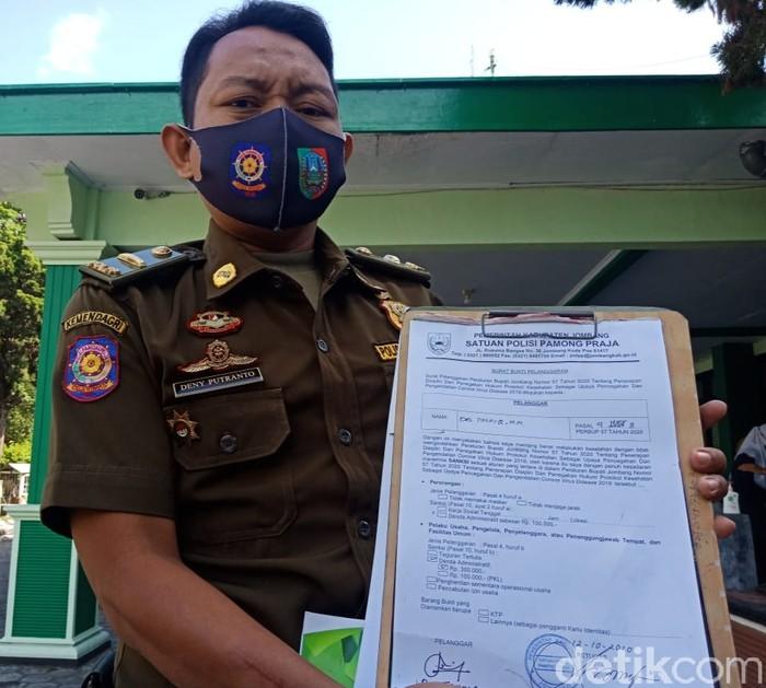 Kabid Ketertiban Umum dan Sumber Daya Aparatur Satpol PP Jombang Haris Aminuddin