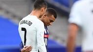 Mbappe dan Cristiano Ronaldo Bahas Apa Sih? Kayaknya Asyik Banget