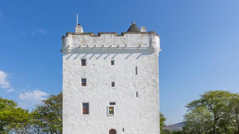low castle