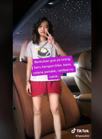 Kocak! Netizen Ini Dikira Gelandangan saat Makan di Restoran Padang