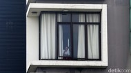 Pasien OTG Corona Isolasi Mandiri di The Green Hotel Bekasi