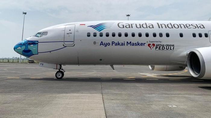 Garuda Indonesia meluncurkan desain mask livery (livery pesawat dengan masker) terbaru pada armada B737-800 NG. Masker itu menampilkan motif Barong Bali.