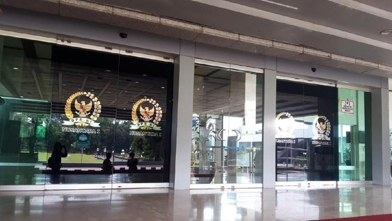Suasana Gedung Nusantara i DPR RI yang di-lockdown usai 18 anggota dewan terpapar Corona