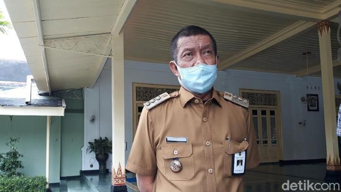 Wali Kota Yogyakarta Haryadi Suyuti di Kompleks Kantor Gubernur DIY, Kecamatan Danurejan, Kota Yogyakarta, Senin (12/10/2020)