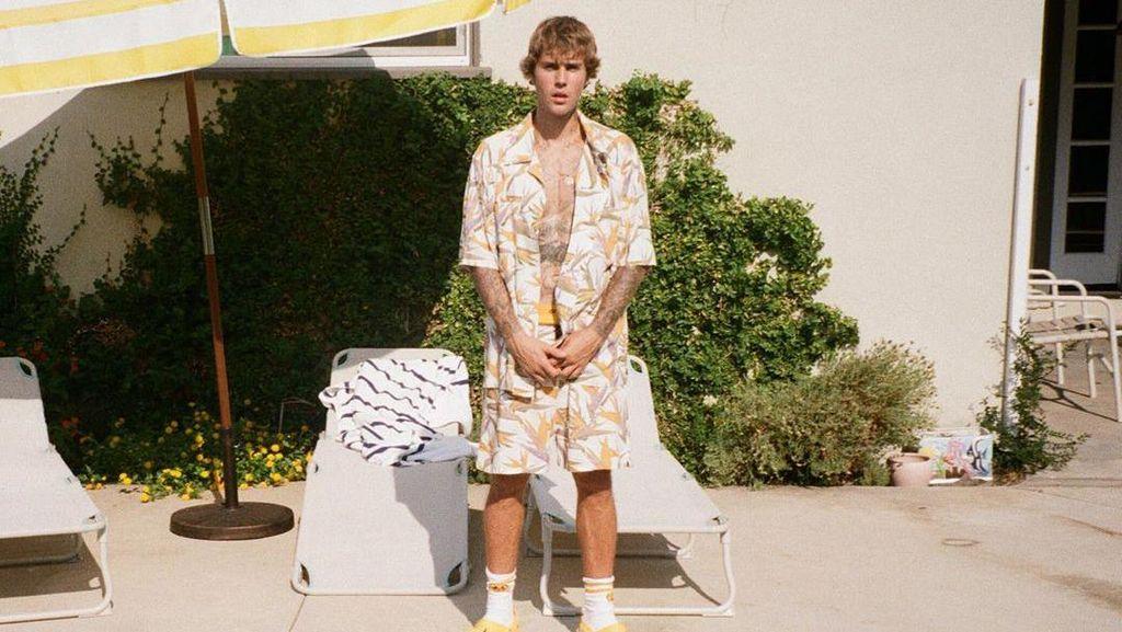 Justin Bieber Minta Fans Berhenti Satroni Rumahnya