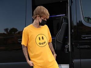 Justin Bieber Rilis Sepatu Crocs Seharga Rp 884 Ribu, Dijual Terbatas