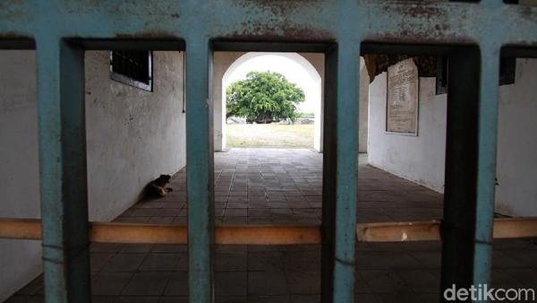 F.X. Hadi Rudyatmo mengatakan, bahwa karantina kepada pemudik berlaku selama 14 hari. Ia berharap keberadaan lokasi karantina bagi pemudik libur Natal dan Tahun Baru 2021 tersebut bisa mengubah niat warga untuk mudik (Agung Mardika/detikTravel)