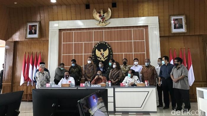 Jumpa pers Mahfud Md dan TGPF penembakan pendeta di Papua