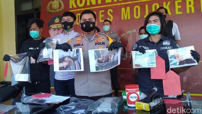 Kapolres Mojokerto AKBP Dony Alexander mengatakan, tersangka Eko Prayitno (39) dua kali merampok janda