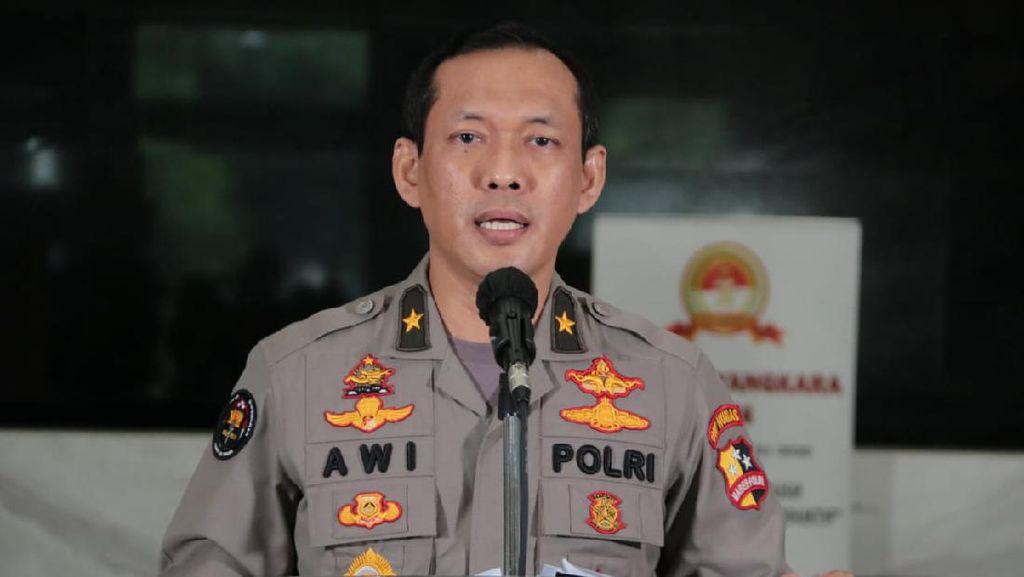 Polri Soal Pencopotan Baliho HRS di Sejumlah Daerah: Kita Bantu Pengamanan