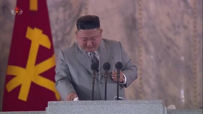 Kim Jong-un menangis (Sumber: Yonhap via The Korea Times)