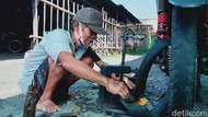 Kisah Pekerja Keras Mbah Waluyo, Penambal Ban yang Anaknya Jadi Dokter