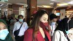 Penampilan Nita Thalia Hadiri Sidang Cerai dengan Suami