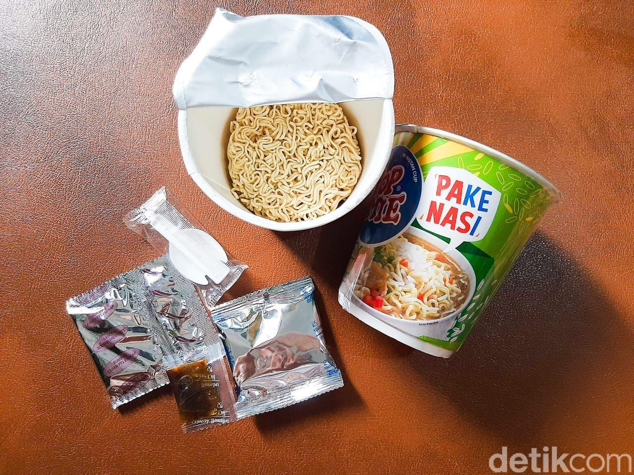 Sensasi Makan Pop Mie Pake Nasi