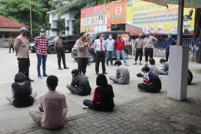 Puluhan pelajar Tangerang diamankan polisi saat mau demo ke Jakarta
