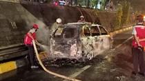 Mobil Terbakar di KM 26 Tol TB Simatupang, Tak Ada Korban