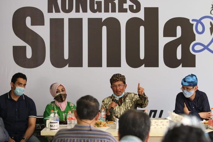 Wakil Ketua MPR Fadel Muhammad mengatakan siap membawa aspirasi masyarakat soal pergantian nama Provinsi Jawa Barat dengan Provinsi Sunda atau Tatar Sunda.