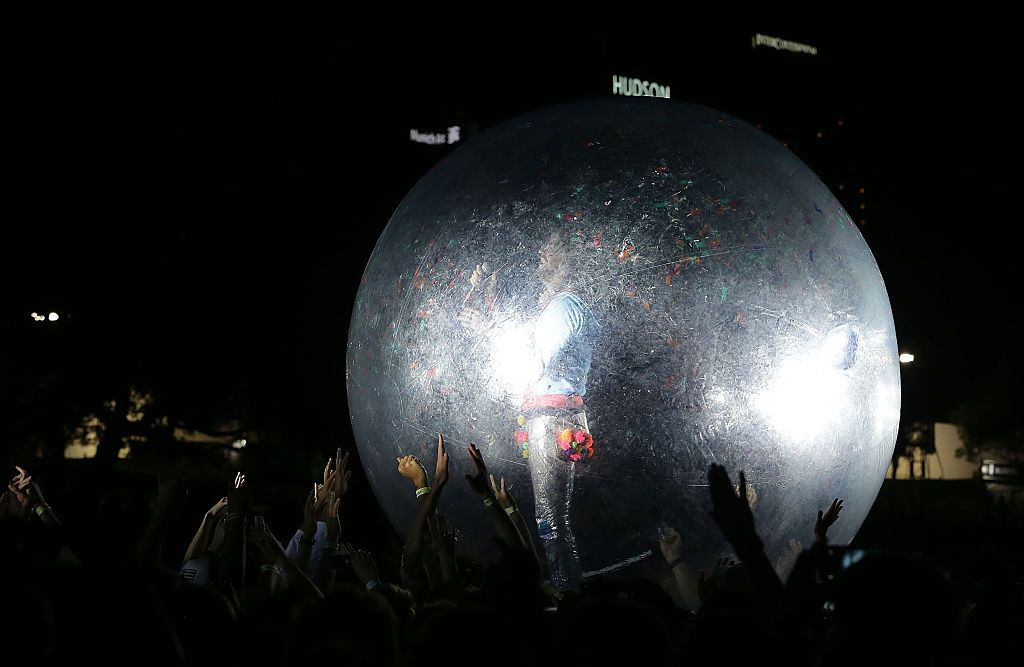 SYDNEY, AUSTRALIA - JANUARY 09:  Wayne Coyne of The Flaming Lips performs at The Domain on January 9, 2016 in Sydney, Australia.  (Photo by Mark Metcalfe/Getty Images)