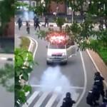 Ambulans yang Diduga Angkut Batu Amunisi Demo Berpelat Hitam, Kok Bisa?