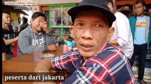 Dari Jakarta Bapak Ini ke Malang Khusus Ikut Lomba Makan Bakso