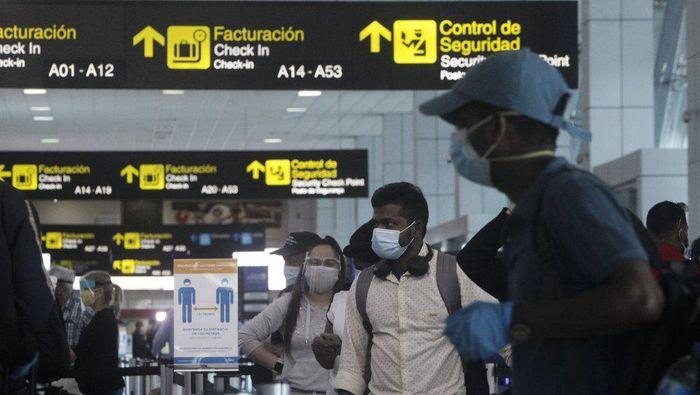 Kuba longgarkan perbatasan